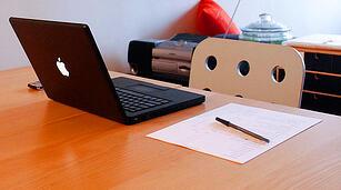 desk-laptop