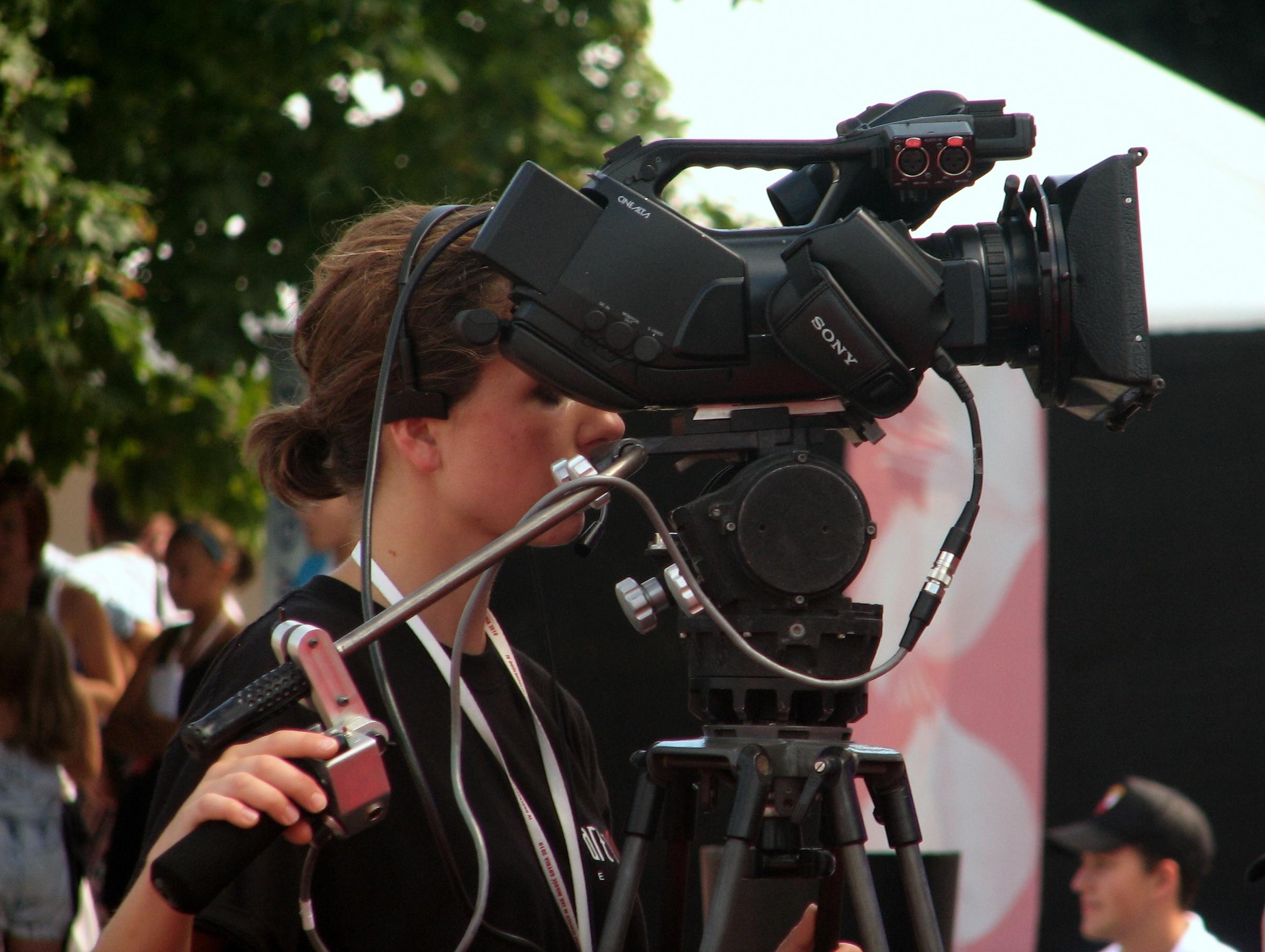Camerawoman_Cameraman__Crewhire.jpg